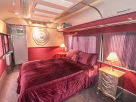 Converted Railway Carriage - Whitby & North Yorkshire - 3877 - thumbnail photo 5