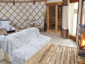 Island Yurt - Cotswolds - 903586 - thumbnail photo 3