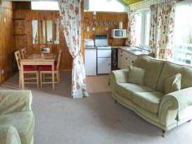 Hazel Chalet - Whitby & North Yorkshire - 903685 - thumbnail photo 3