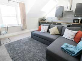20c Beach Loft - Whitby & North Yorkshire - 903898 - thumbnail photo 2