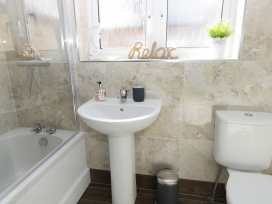 20c Beach Loft - Whitby & North Yorkshire - 903898 - thumbnail photo 12