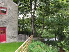 Unsliven Bridge Barn - Peak District - 913897 - thumbnail photo 13