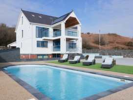 Beach House Apartment - Anglesey - 917769 - thumbnail photo 1