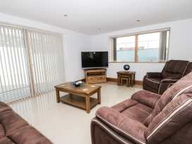 Beach House Apartment - Anglesey - 917769 - thumbnail photo 3