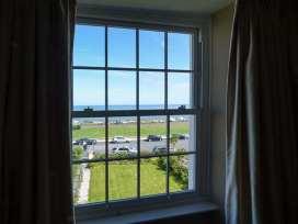 Sea View Apartment - North Wales - 924749 - thumbnail photo 17