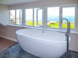 Sea View Apartment - North Wales - 924749 - thumbnail photo 2