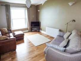 Sea View Apartment - North Wales - 924749 - thumbnail photo 4