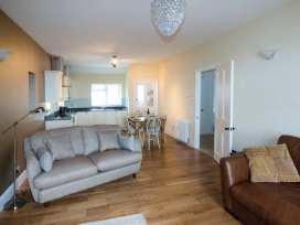 Sea View Apartment - North Wales - 924749 - thumbnail photo 6