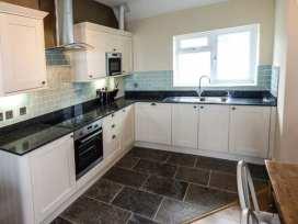 Sea View Apartment - North Wales - 924749 - thumbnail photo 7