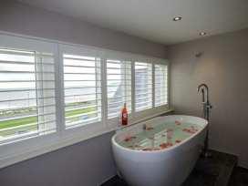Sea View Apartment - North Wales - 924749 - thumbnail photo 12