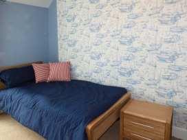 Sea View Apartment - North Wales - 924749 - thumbnail photo 14