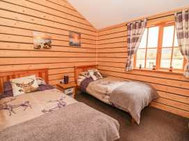 Caban Gwdihw ( Owl Cabin) - Mid Wales - 931452 - thumbnail photo 9