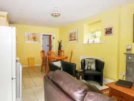 Hop Cottage - Kent & Sussex - 931972 - thumbnail photo 3