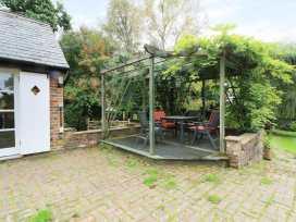 Hop Cottage - Kent & Sussex - 931972 - thumbnail photo 15