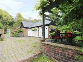 Hop Cottage - Kent & Sussex - 931972 - thumbnail photo 16