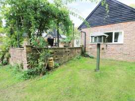 Hop Cottage - Kent & Sussex - 931972 - thumbnail photo 18