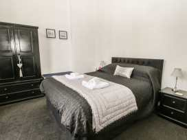 Esplanade Gardens, Apartment 1 - Whitby & North Yorkshire - 933807 - thumbnail photo 10