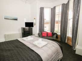 Esplanade Gardens, Apartment 1 - Whitby & North Yorkshire - 933807 - thumbnail photo 11
