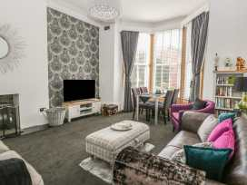 Esplanade Gardens, Apartment 1 - Whitby & North Yorkshire - 933807 - thumbnail photo 5