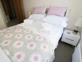 Ocean View Apartment - North Wales - 934495 - thumbnail photo 8