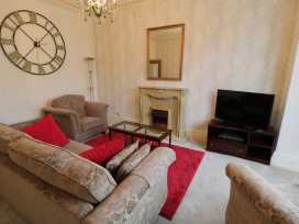 Garth House Apartment 1 - North Wales - 939440 - thumbnail photo 6