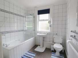 Garth House Apartment 2 - North Wales - 939441 - thumbnail photo 6