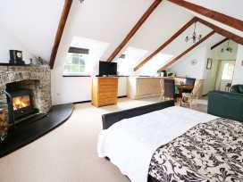 Loft Apartment - South Wales - 939765 - thumbnail photo 10