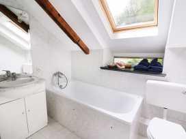 Loft Apartment - South Wales - 939765 - thumbnail photo 12