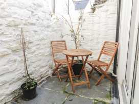 Town Centre Cottage - Mid Wales - 940078 - thumbnail photo 11