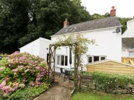 Spring Garden Cottage - South Wales - 945899 - thumbnail photo 18