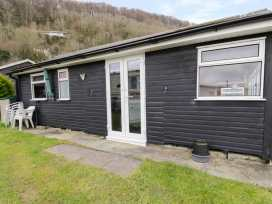 Chalet 95 - Mid Wales - 949009 - thumbnail photo 2