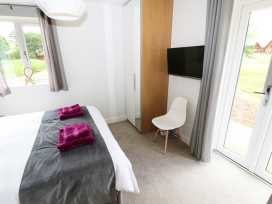 Lily-pad Lodge - Lincolnshire - 954121 - thumbnail photo 10