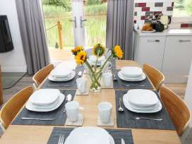 Lily-pad Lodge - Lincolnshire - 954121 - thumbnail photo 4