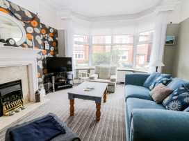 22 Trafalgar Crescent - Whitby & North Yorkshire - 954896 - thumbnail photo 3