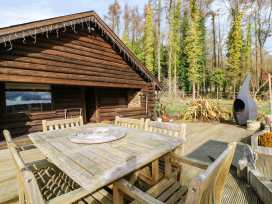 Dragonfly Lodge - Kent & Sussex - 955617 - thumbnail photo 1