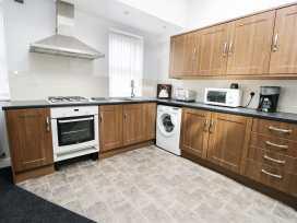 Sunshine Apartment - Whitby & North Yorkshire - 955737 - thumbnail photo 6
