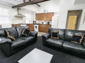 Sunshine Apartment - Whitby & North Yorkshire - 955737 - thumbnail photo 3