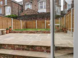 19 Holyrood Avenue - Whitby & North Yorkshire - 956000 - thumbnail photo 23
