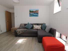 Apartment 6 - North Wales - 957819 - thumbnail photo 2