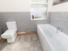 1 Cae Glas Crescent - North Wales - 958407 - thumbnail photo 12