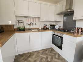 Apartment 1 - Whitby & North Yorkshire - 958912 - thumbnail photo 13