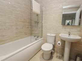 Apartment 1 - Whitby & North Yorkshire - 958912 - thumbnail photo 15