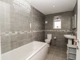 Apartment 4 - Whitby & North Yorkshire - 958919 - thumbnail photo 17