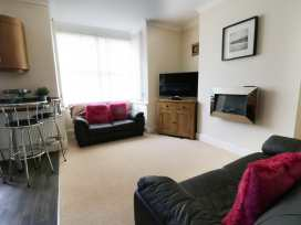 Flat 2 - Whitby & North Yorkshire - 960170 - thumbnail photo 3