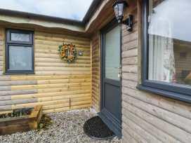 Sunflower Lodge - Cornwall - 960359 - thumbnail photo 2