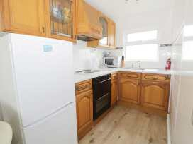 112 Beach Road Chalet Park - Norfolk - 960711 - thumbnail photo 5