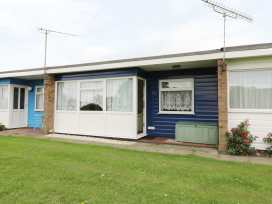 112 Beach Road Chalet Park - Norfolk - 960711 - thumbnail photo 1