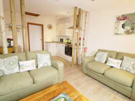 Llewelyn Lodge - Mid Wales - 963666 - thumbnail photo 5