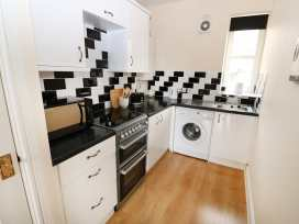 Flat 2, 4 St Edmund's Terrace - Norfolk - 963738 - thumbnail photo 3