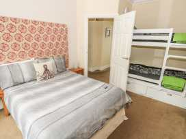 Apartment 2 - South Wales - 966446 - thumbnail photo 8